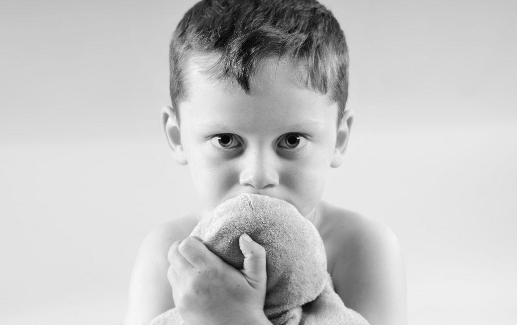 تحقیق فوبیای خاص در کودکان