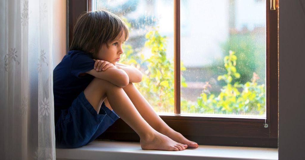 تحقیق کمرویی و گوشه گیری کودکان