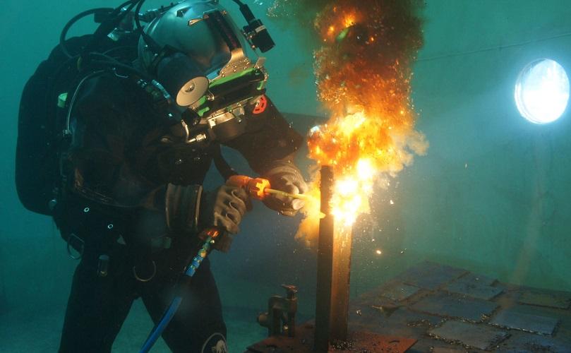 تحلیل و بررسی جوشکارى در زیر آب