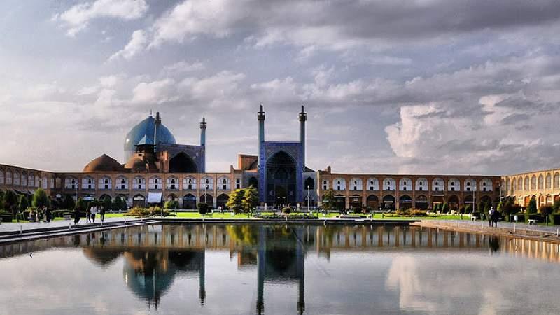 تحلیل و بررسی اوضاع سیاسی، اجتماعی و فرهنگی اصفهان از آغاز تا سده ی ششم هجری