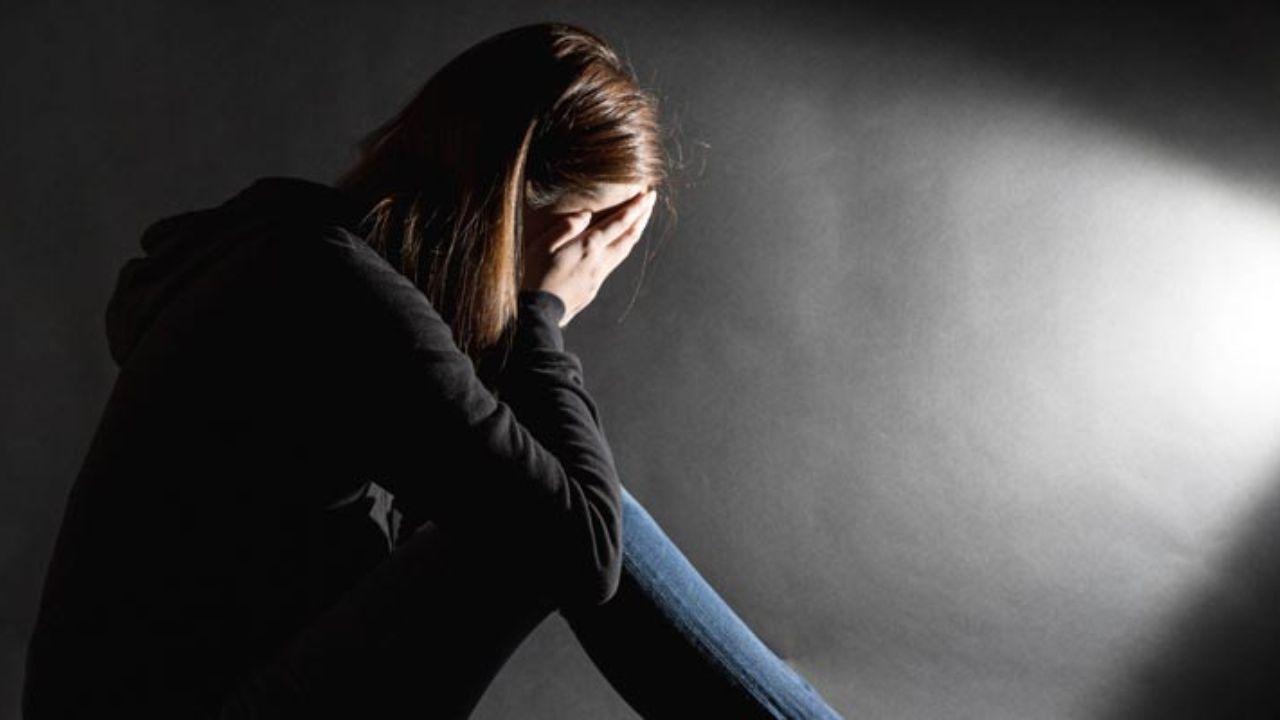 تحلیل و بررسی میزان افسردگی در دختران دبیرستان منطقه 15 شهر تهران