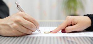 تحلیل و بررسی علل اجتماعی درخواست طلاق دربین زنان مراجعه کننده به دادگاه خانواده شماره 1 ( شهید محلاتی)