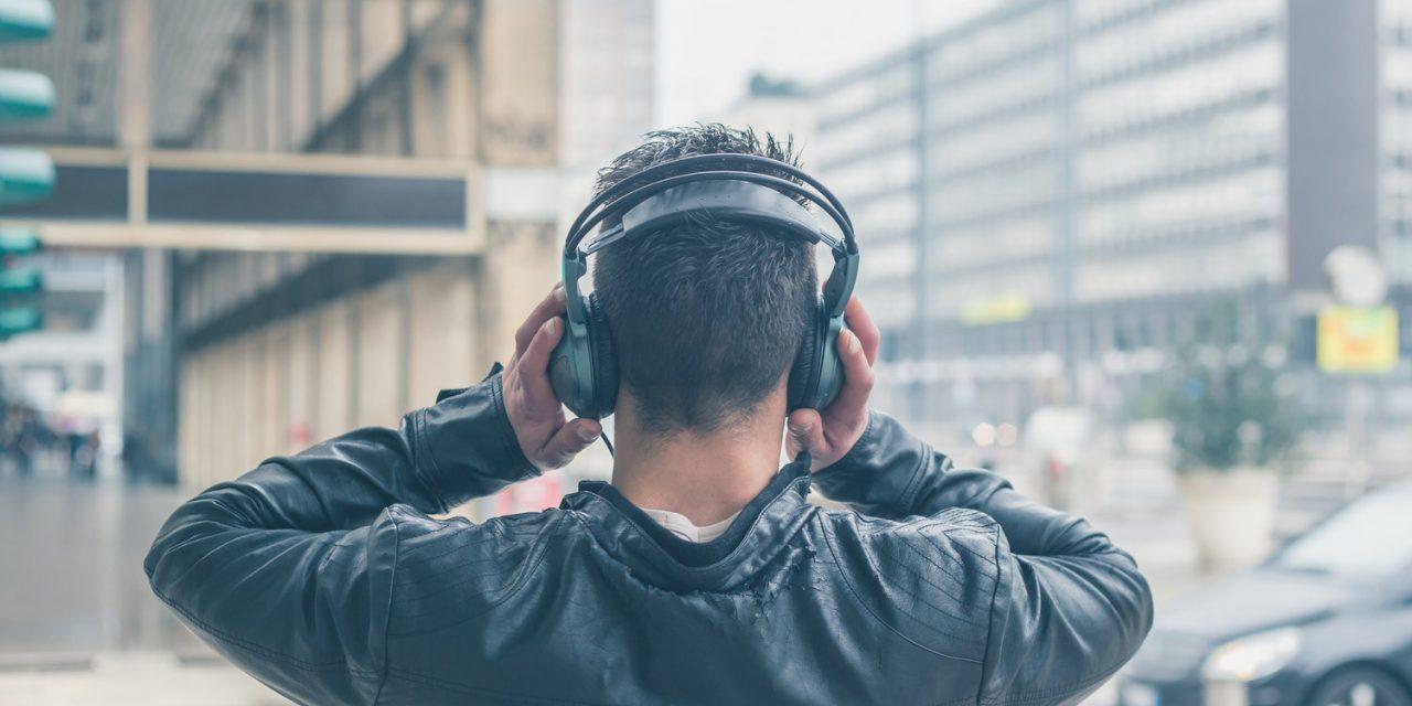 تحلیل و بررسی تاثیر موسیقی آرام بخش در تمرکز دانشجویان