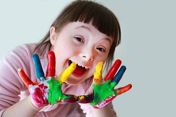 تحلیل و بررسی کودک عقب مانده ذهنی