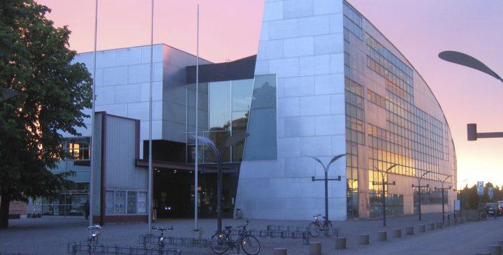 پاورپوینت تحلیل و بررسی موزه کیاسما