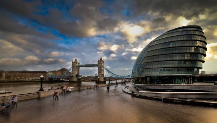 پاورپوینت بررسی ساختمان شورای شهر لندن
