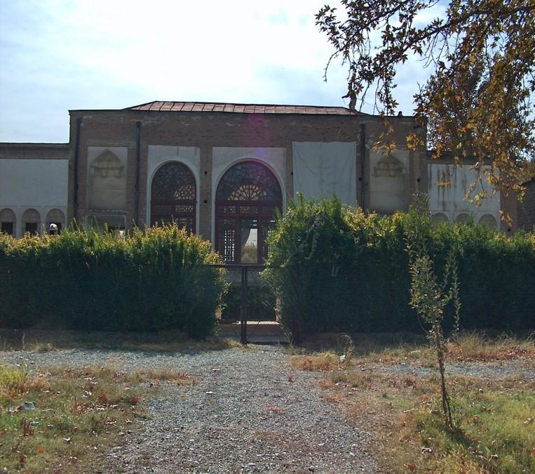 پاورپوینت بررسی و معرفی بنای کاخ سلیمانیه