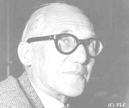 پاورپوینت بررسی و تحلیل آثار و زندگی نامه لوكوربوزيه