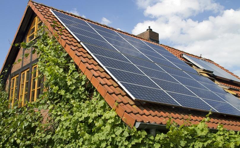 پاورپوینت بررسی انرژی خورشیدی و کاربرد آن در ساختمان