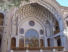 پاورپوینت بررسی نقش ایوان در معماری ایران