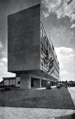 پاورپوینت بررسی معماری مدرن متاخر بروتالیسم